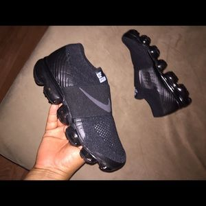 Nike Vapor Max Triple Black